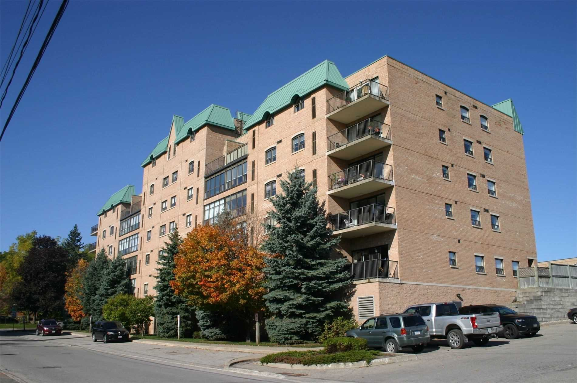 Main Photo: 610 200 Broadway: Orangeville Condo for sale : MLS®# W4648513