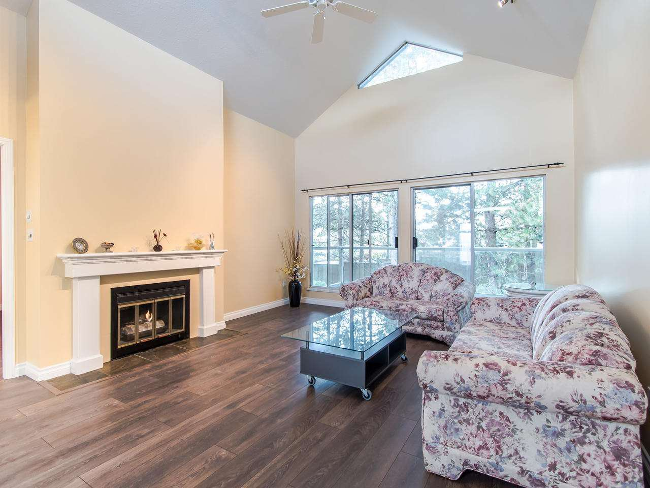 Main Photo: 404 2733 ATLIN PLACE in Coquitlam: Coquitlam East Condo for sale : MLS®# R2419896