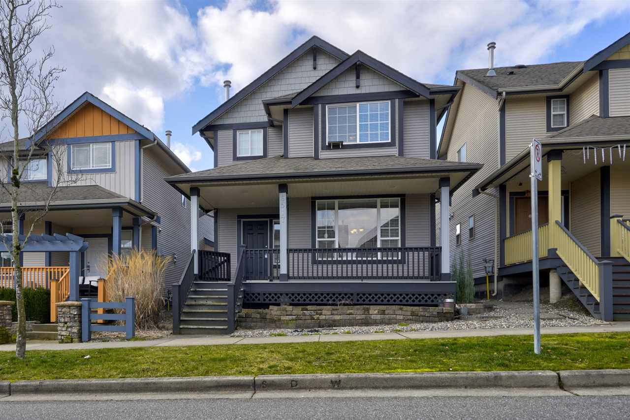 """Main Photo: 6517 193A Street in Surrey: Clayton House for sale in """"Hampton @ Copper Creek"""" (Cloverdale)  : MLS®# R2437360"""