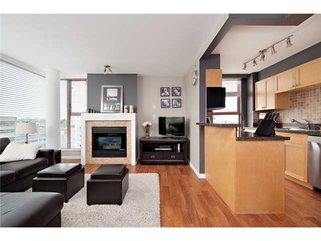 """Main Photo: 1006 1633 W 8TH Avenue in Vancouver: Fairview VW Condo for sale in """"FIRCREST"""" (Vancouver West)  : MLS®# V957955"""