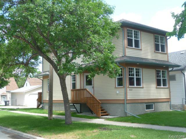 Main Photo: 977 Dudley Avenue in Winnipeg: Fort Rouge / Crescentwood / Riverview Single Family Detached for sale (South Winnipeg)  : MLS®# 1312378