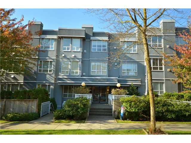 Main Photo: 203 3 N Garden Drive in Vancouver: Hastings Condo for sale (Vancouver East)