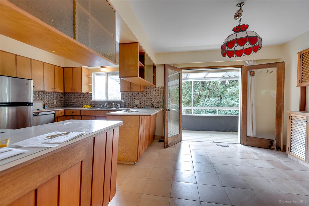 Photo 5: Photos: 1347 DEMPSEY ROAD in North Vancouver: Lynn Valley House for sale : MLS®# R2272592