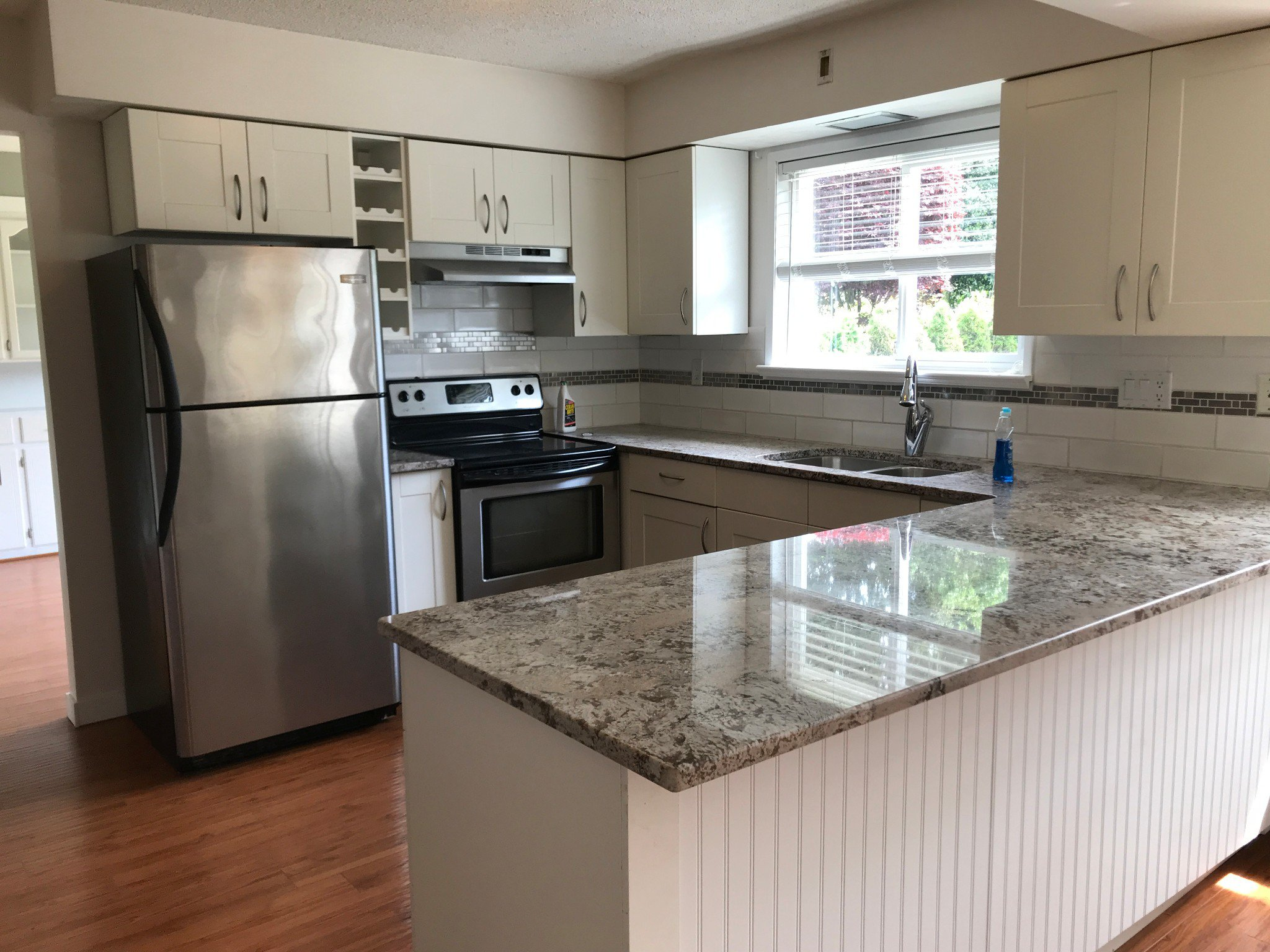 Photo 2: Photos: 2828 Arlington St. in Abbotsford: Central Abbotsford House for rent