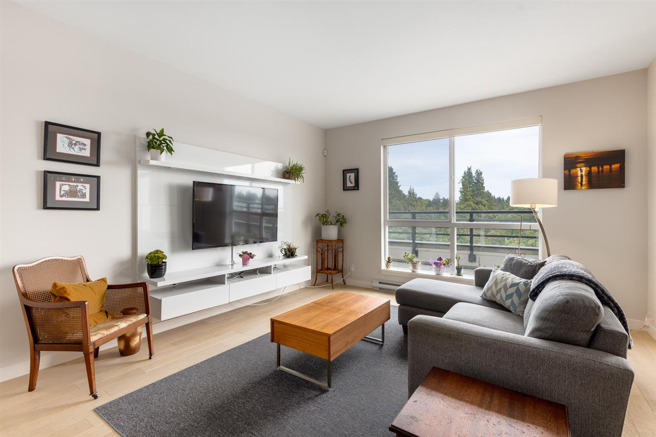 """Main Photo: PH3 5555 DUNBAR Street in Vancouver: Dunbar Condo for sale in """"Fifty-Five 55 Dunbar"""" (Vancouver West)  : MLS®# R2516441"""