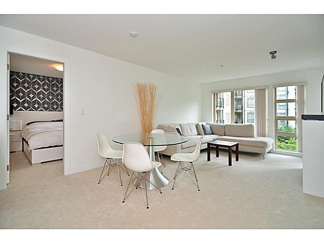 """Photo 5: Photos: 201 738 E 29TH Avenue in Vancouver: Fraser VE Condo for sale in """"CENTURY"""" (Vancouver East)  : MLS®# V1024242"""