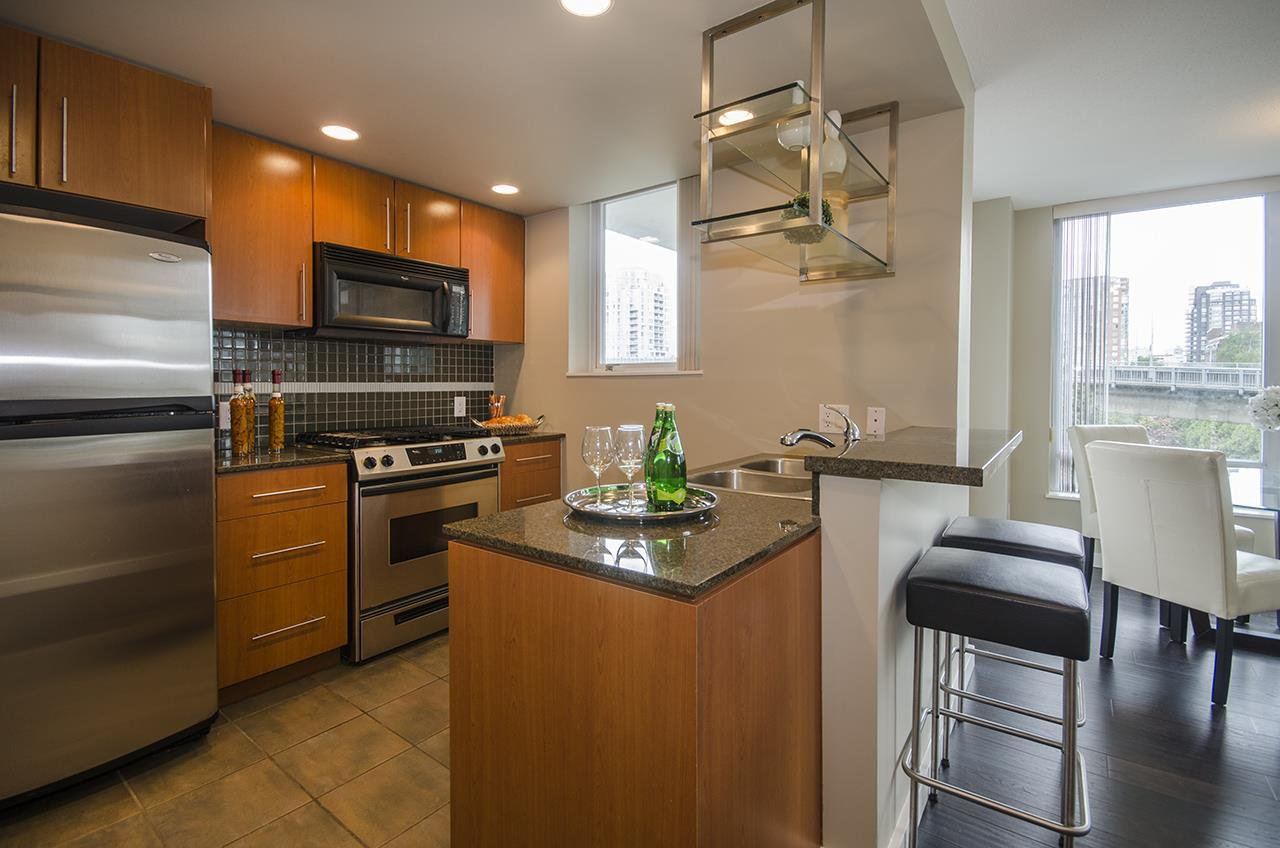 Main Photo: 506 550 PACIFIC STREET in Vancouver: Yaletown Condo for sale (Vancouver West)  : MLS®# R2070570