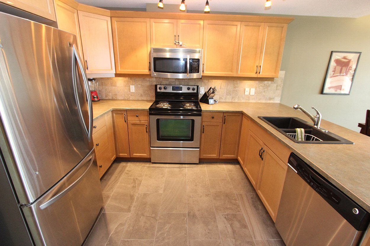 Photo 10: Photos: 29 1134 Pine Grove Road in Scotch Creek: Townhouse for sale : MLS®# 10179544