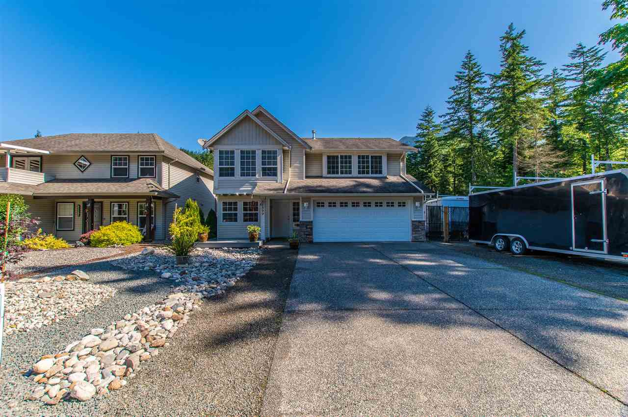 Main Photo: 65599 GORDON DRIVE in Hope: Hope Kawkawa Lake House for sale : MLS®# R2372921