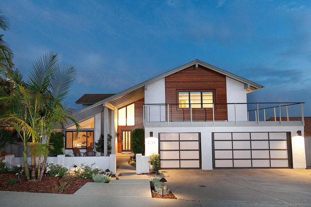 Main Photo: PACIFIC BEACH House for sale : 5 bedrooms : 2169 Harbour Heights Rd in San Diego