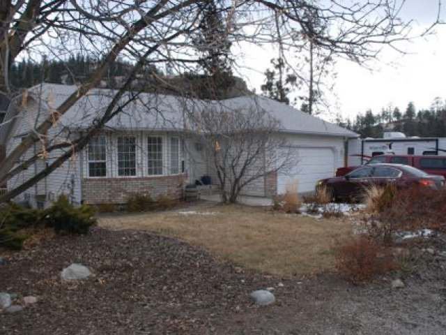 Main Photo: 8201 CEDAR Avenue in SUMMERLAND: MAIN TOWN House  : MLS®# 134768