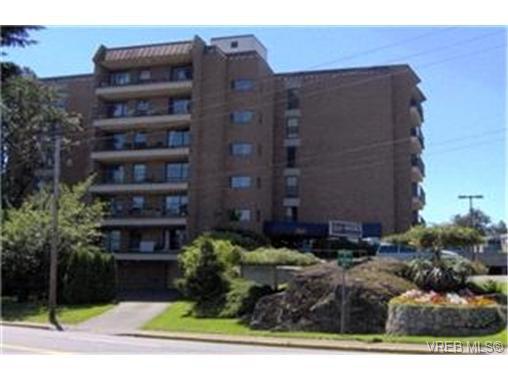 Main Photo: 303 4030 Quadra Street in VICTORIA: SE High Quadra Residential for sale (Saanich East)  : MLS®# 203712