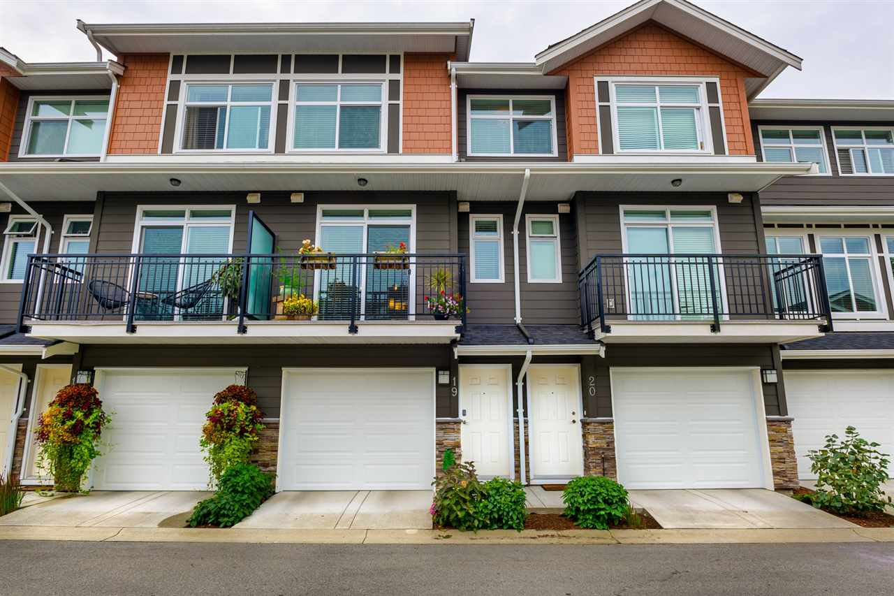 "Main Photo: 19 11461 236 Street in Maple Ridge: Cottonwood MR Townhouse for sale in ""TWO BIRDS"" : MLS®# R2397953"