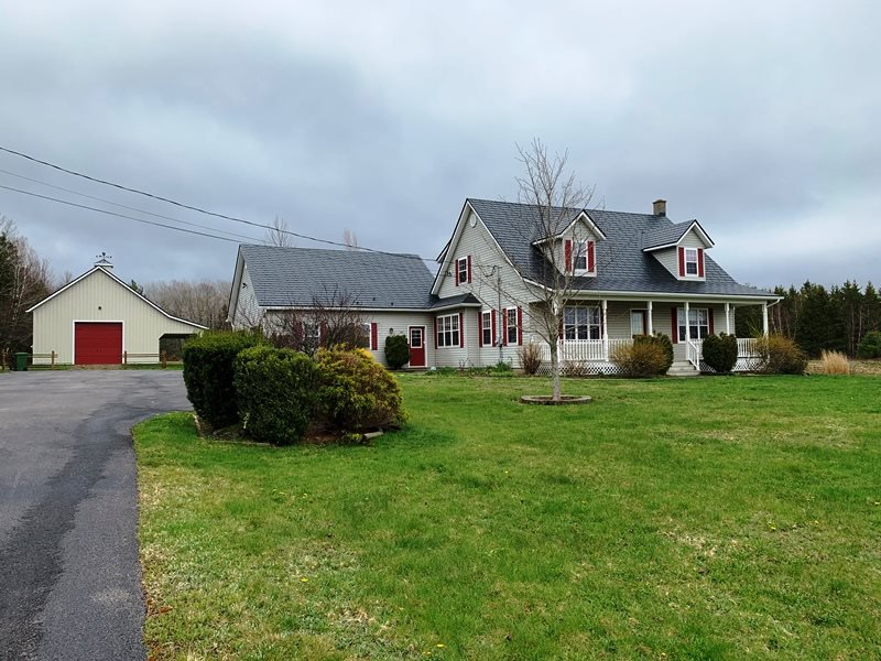 Main Photo: 300 Meadowvale Road in Meadowvale: 400-Annapolis County Residential for sale (Annapolis Valley)  : MLS®# 202007575