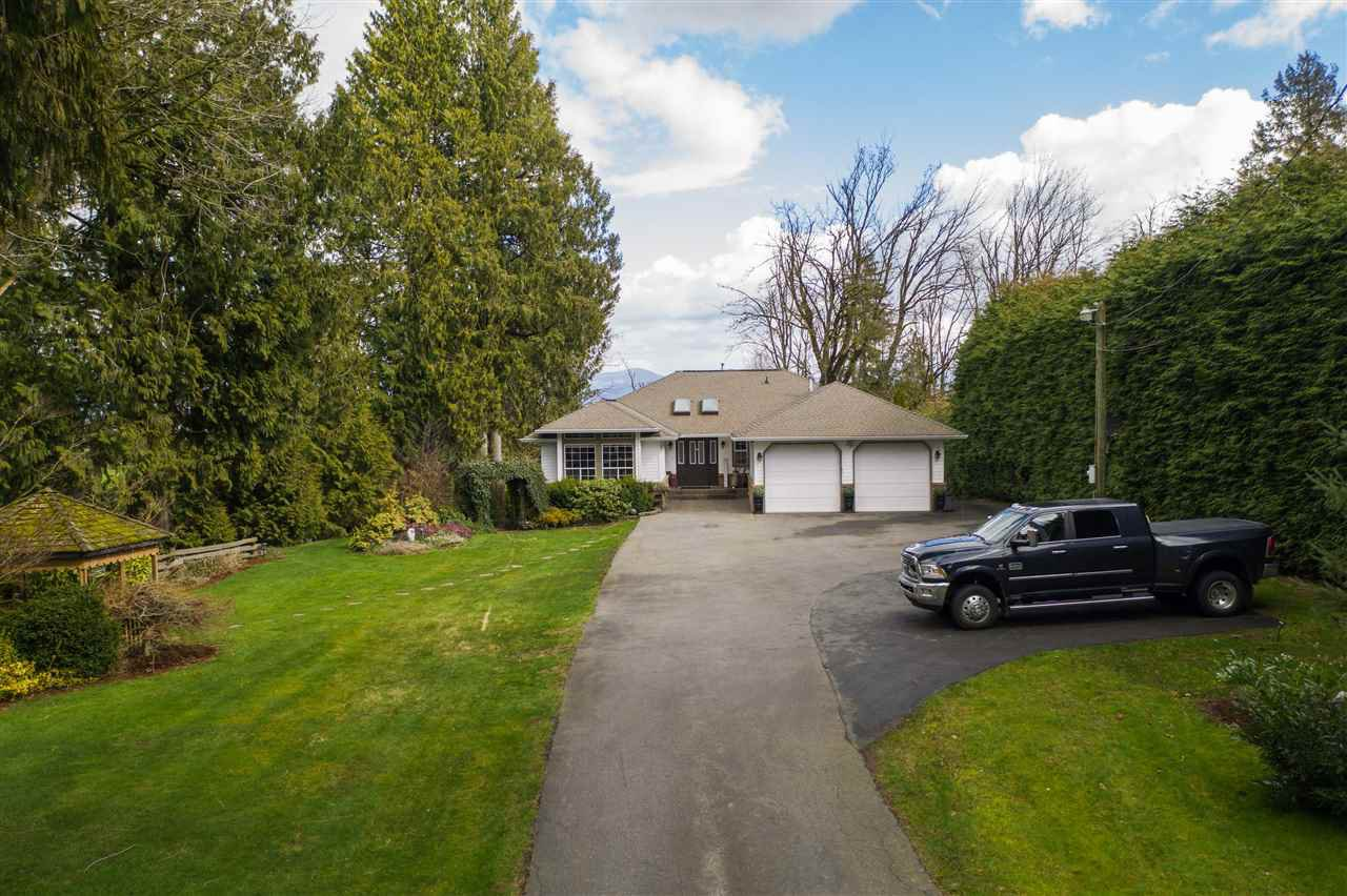 Main Photo: 5012 MT LEHMAN Road in Abbotsford: Bradner House for sale : MLS®# R2501337