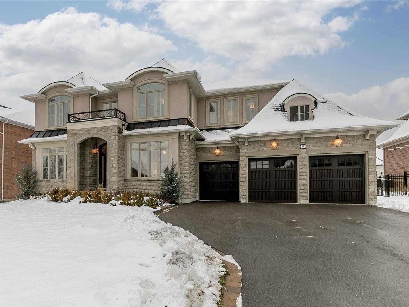 Main Photo: 9 Country Club Cres in Uxbridge: Rural Uxbridge Freehold for sale : MLS®# N5062220