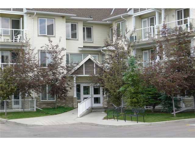 Main Photo: 2109 5200 44 Avenue NE in CALGARY: Whitehorn Condo for sale (Calgary)  : MLS®# C3625188