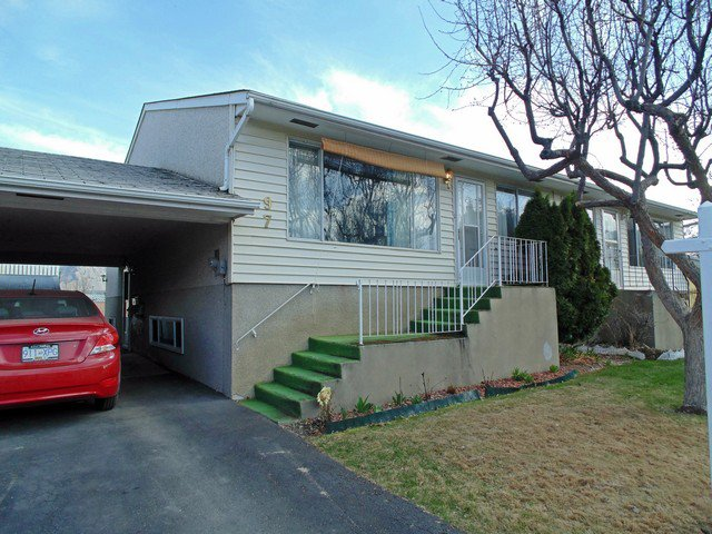 Main Photo: 97 800 Vahlalla Drive in Kamloops: Brock Townhouse for sale : MLS®# 127543