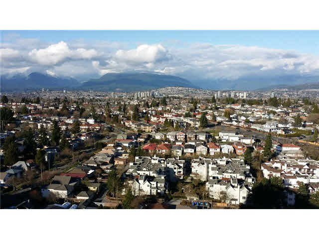 Main Photo: 2601 5380 OBEN STREET in Vancouver: Collingwood VE Condo for sale (Vancouver East)  : MLS®# V1143203
