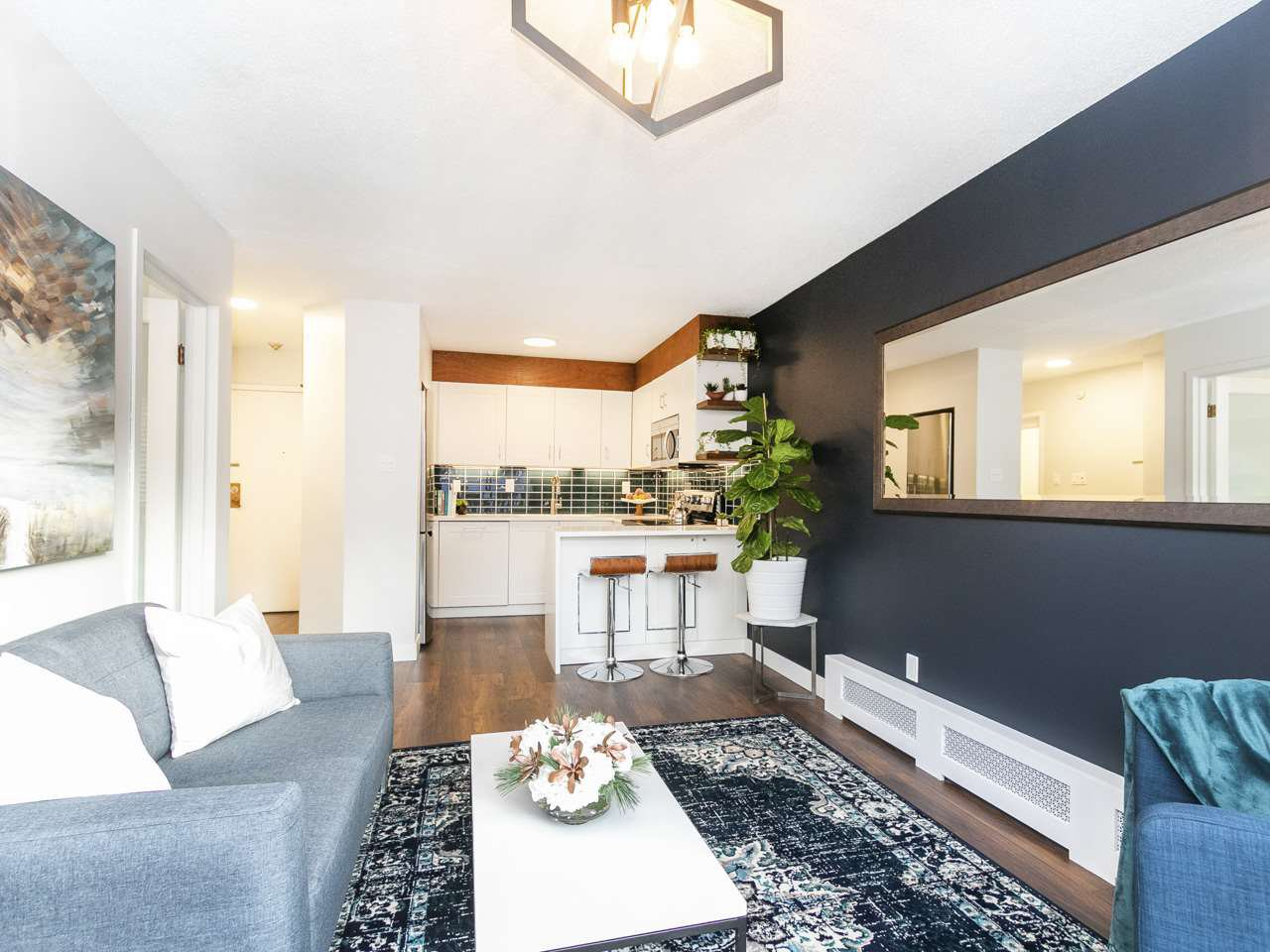 Main Photo: 302 930 E 7TH AVENUE in Vancouver: Mount Pleasant VE Condo for sale (Vancouver East)  : MLS®# R2338947