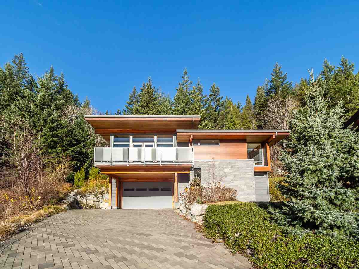 Main Photo: 38580 Sky Pilot Drive in Squamish: House for sale