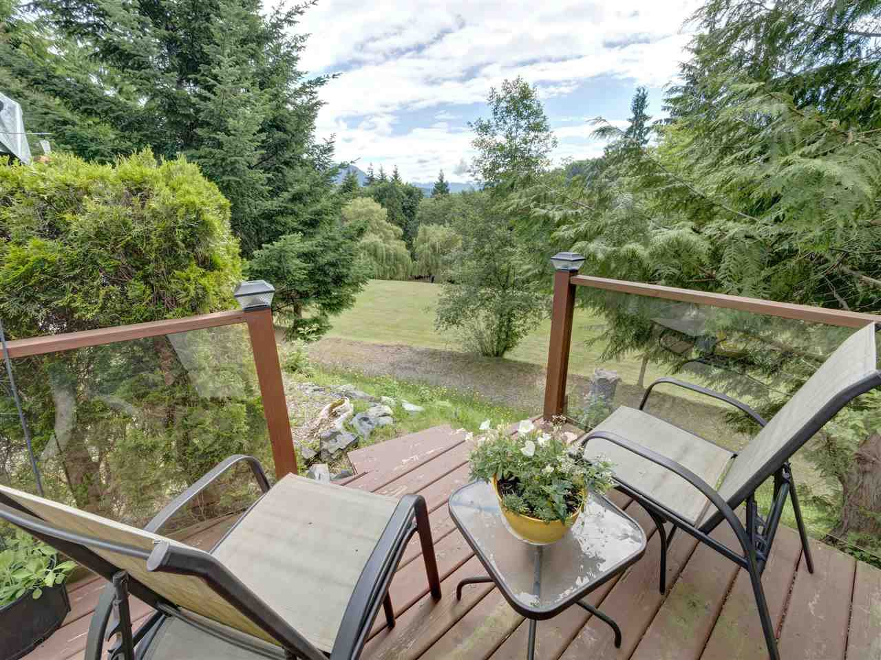 "Main Photo: 56 2170 PORT MELLON Highway in Langdale: Gibsons & Area Manufactured Home for sale in ""Langdale Heights RV Par 3 Golf Resort"" (Sunshine Coast)  : MLS®# R2467599"