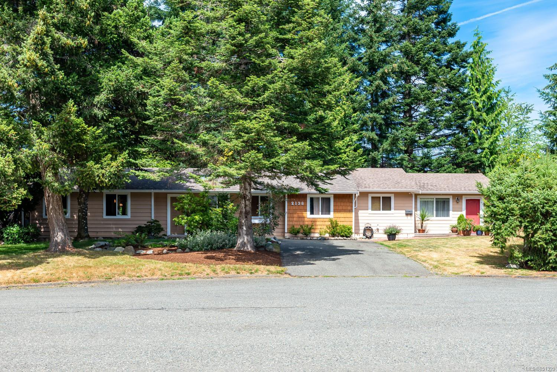 Main Photo: 2138 NOEL Ave in : CV Comox (Town of) House for sale (Comox Valley)  : MLS®# 851399