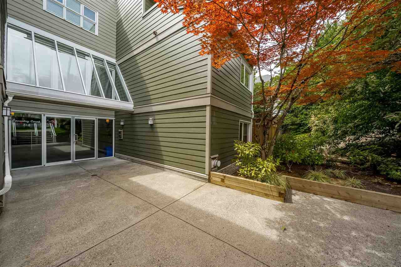 """Main Photo: 211 518 THIRTEENTH Street in New Westminster: Uptown NW Condo for sale in """"Coventry Court"""" : MLS®# R2501752"""