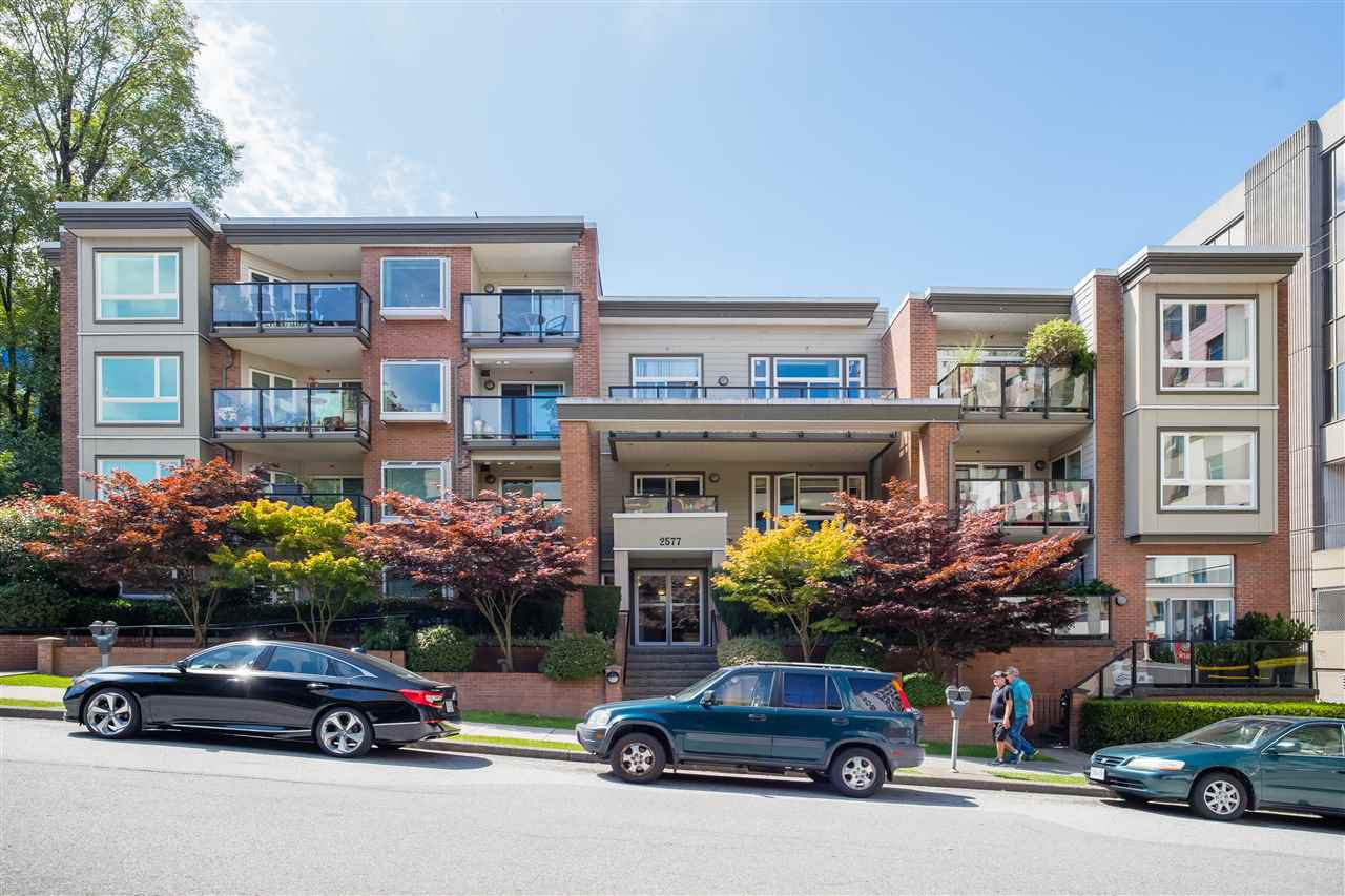 Main Photo: 303 2577 WILLOW STREET in Vancouver: Fairview VW Condo for sale (Vancouver West)  : MLS®# R2483123
