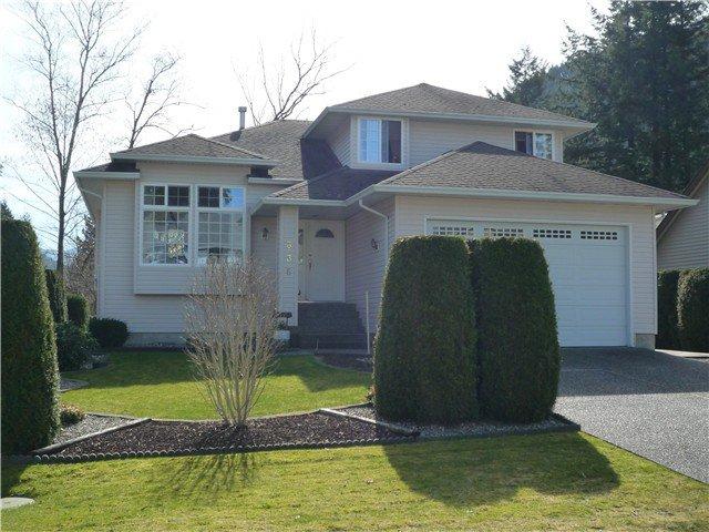 Main Photo: 336 CHESTNUT AV: Harrison Hot Springs House for sale : MLS®# H1400955