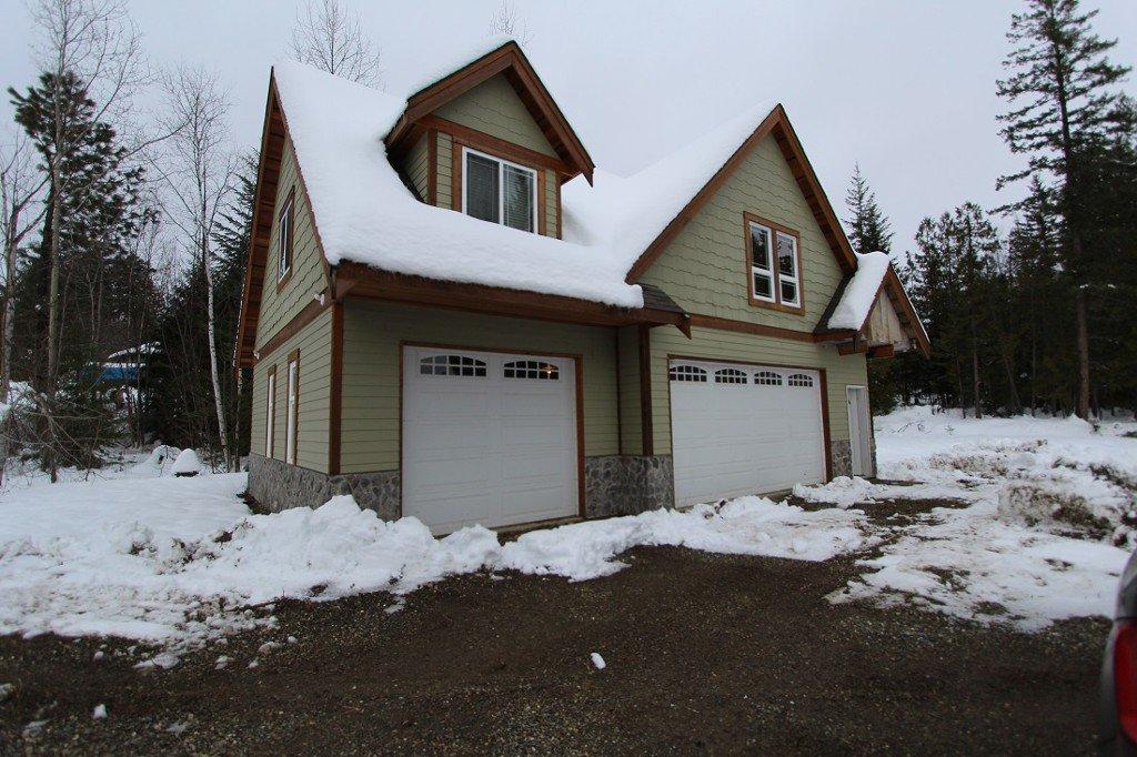 Main Photo: 5217 Tallington Drive in Celista: North Shuswap House for sale (Shuswap)  : MLS®# 10092409