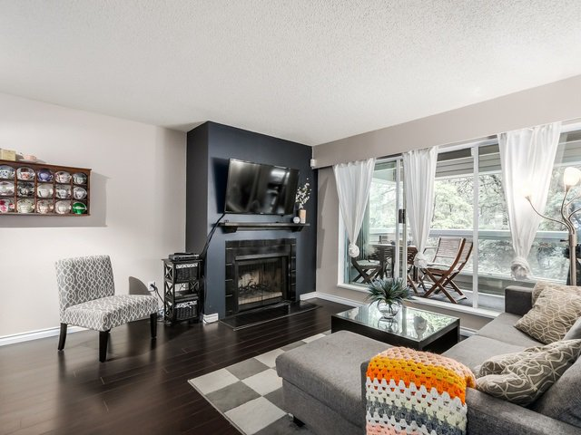 Main Photo: 117 932 ROBINSON STREET in Coquitlam: Central Coquitlam Condo for sale : MLS®# R2000788