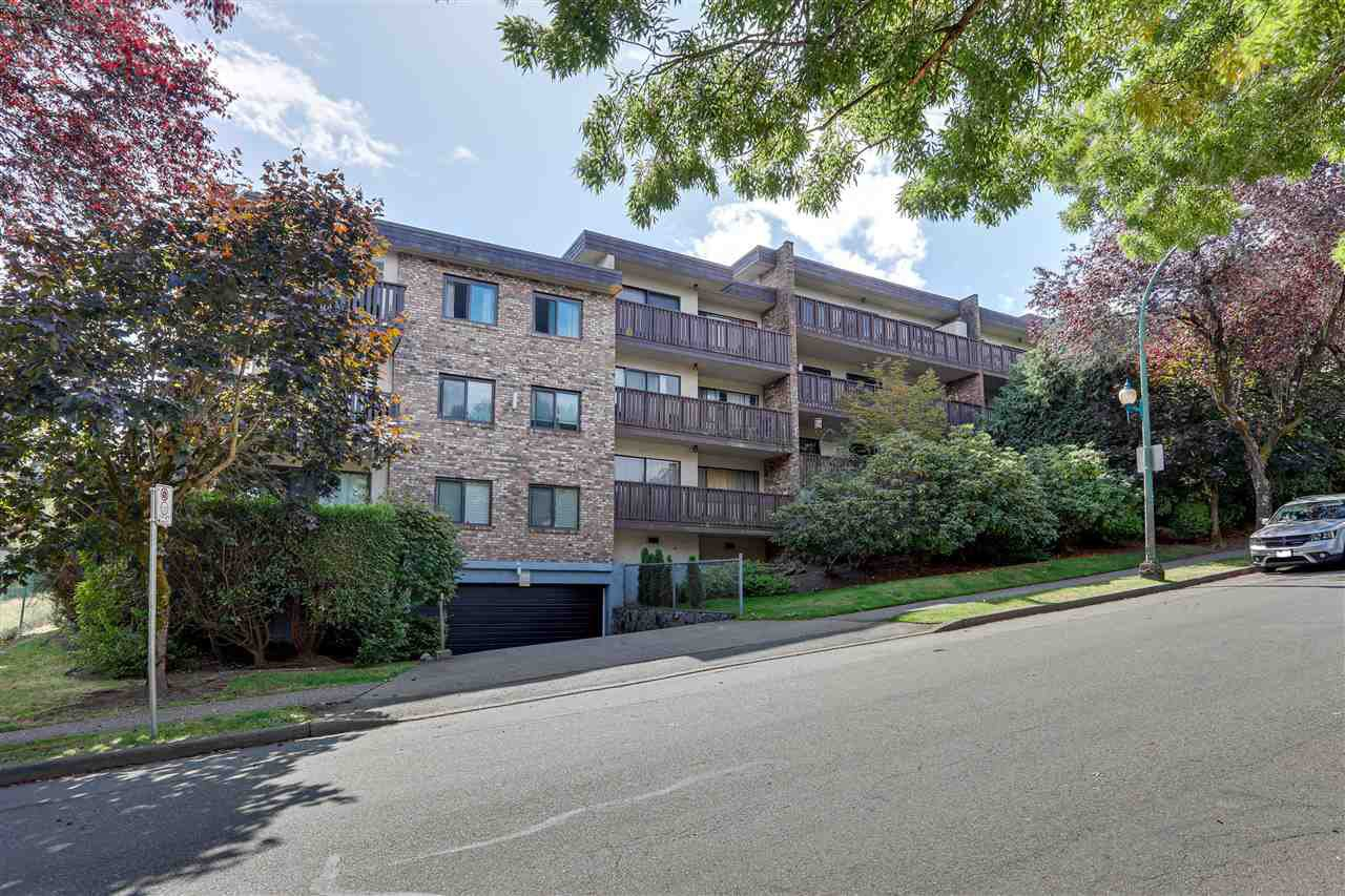 """Main Photo: 104 930 E 7TH Avenue in Vancouver: Mount Pleasant VE Condo for sale in """"Windsor Park"""" (Vancouver East)  : MLS®# R2401750"""