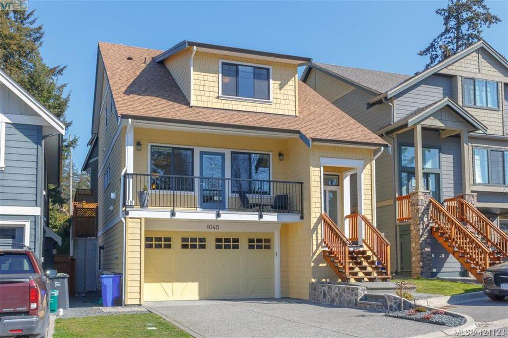Main Photo: 1045 Gala Court in VICTORIA: La Happy Valley Single Family Detached for sale (Langford)  : MLS®# 424123
