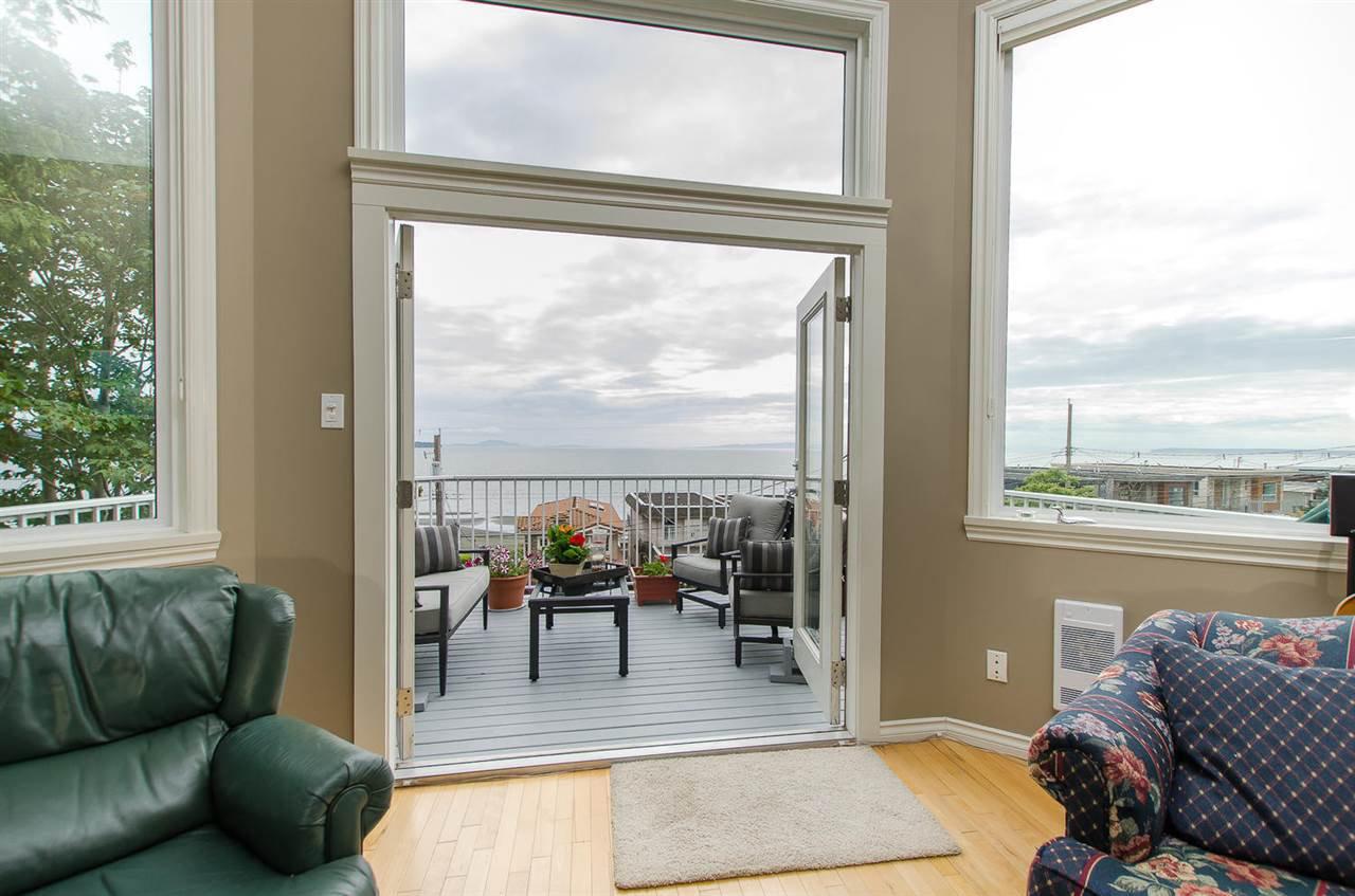 Photo 4: Photos: 15395 VICTORIA Avenue: White Rock House for sale (South Surrey White Rock)  : MLS®# R2476831