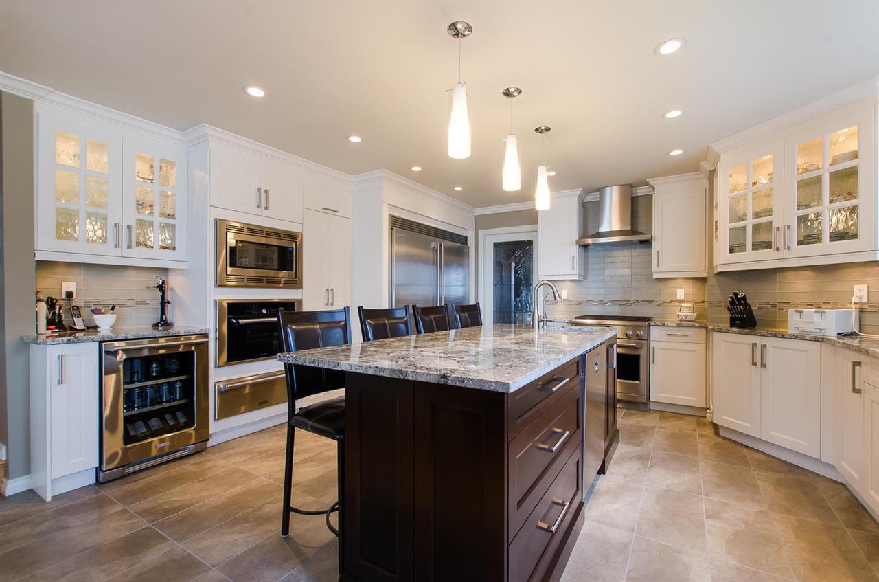 Photo 8: Photos: 15395 VICTORIA Avenue: White Rock House for sale (South Surrey White Rock)  : MLS®# R2476831