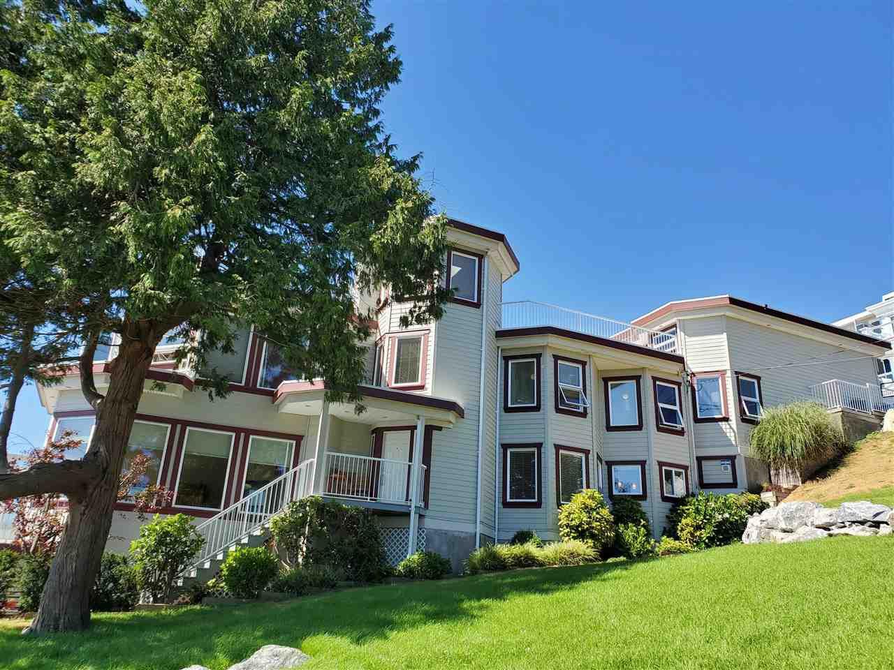 Photo 2: Photos: 15395 VICTORIA Avenue: White Rock House for sale (South Surrey White Rock)  : MLS®# R2476831