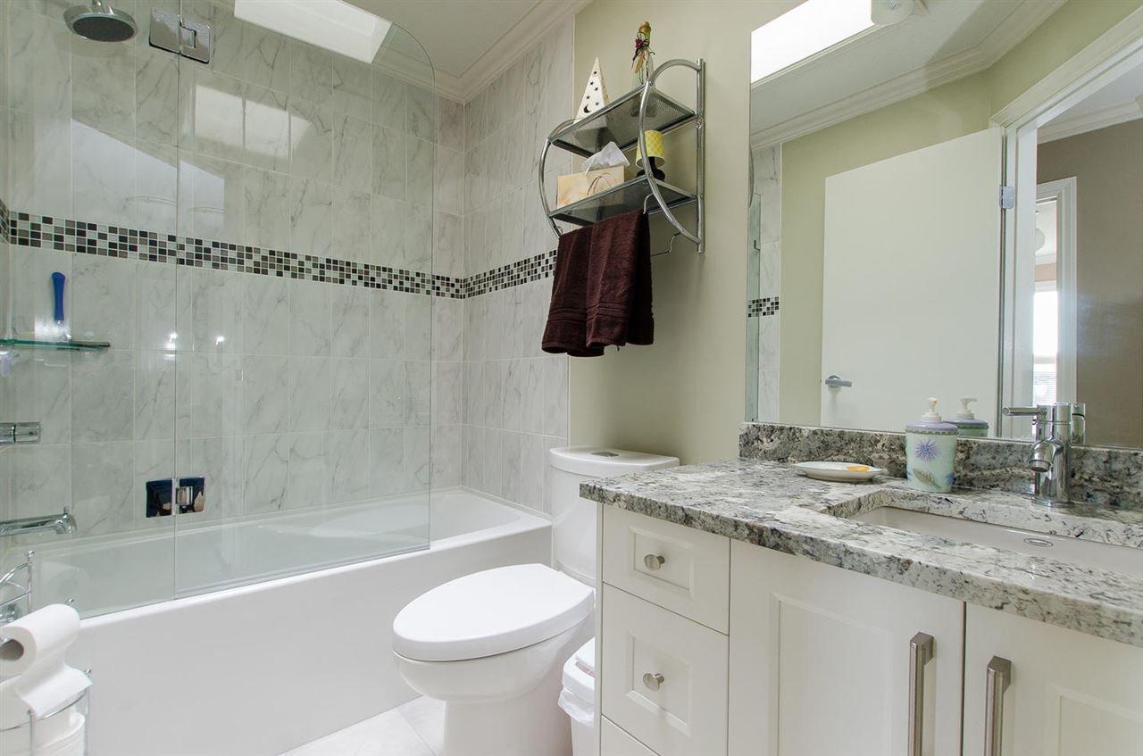 Photo 20: Photos: 15395 VICTORIA Avenue: White Rock House for sale (South Surrey White Rock)  : MLS®# R2476831