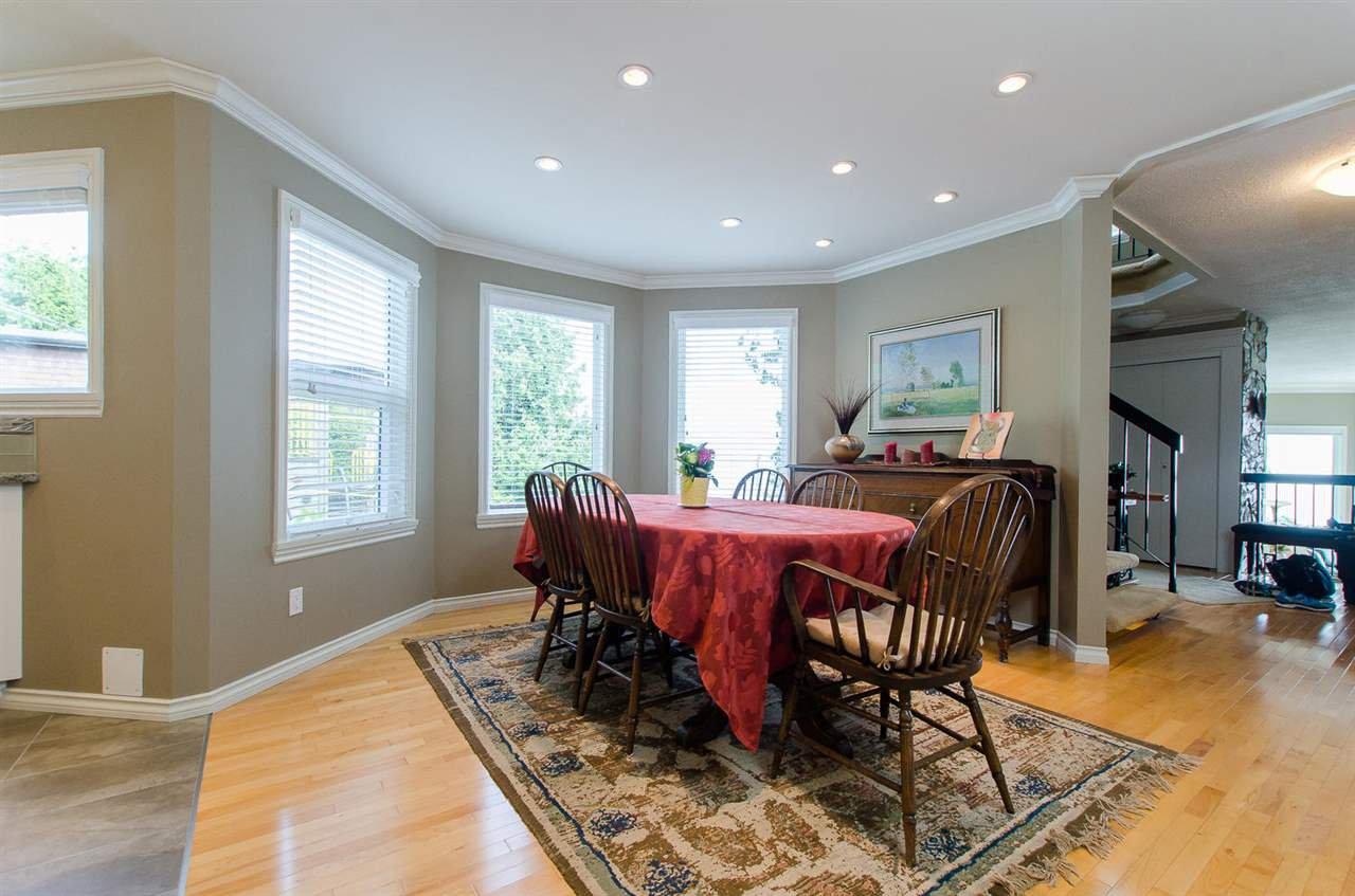 Photo 12: Photos: 15395 VICTORIA Avenue: White Rock House for sale (South Surrey White Rock)  : MLS®# R2476831