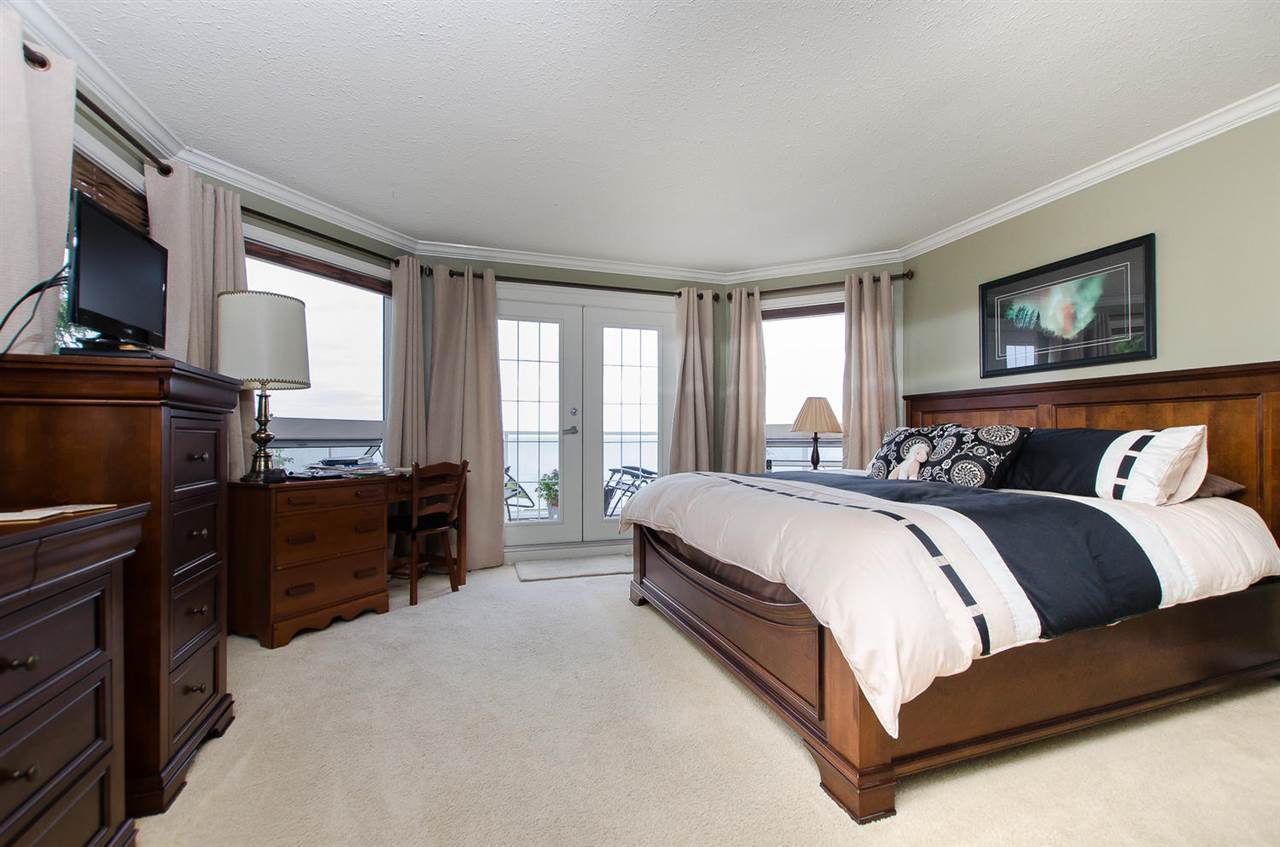 Photo 15: Photos: 15395 VICTORIA Avenue: White Rock House for sale (South Surrey White Rock)  : MLS®# R2476831