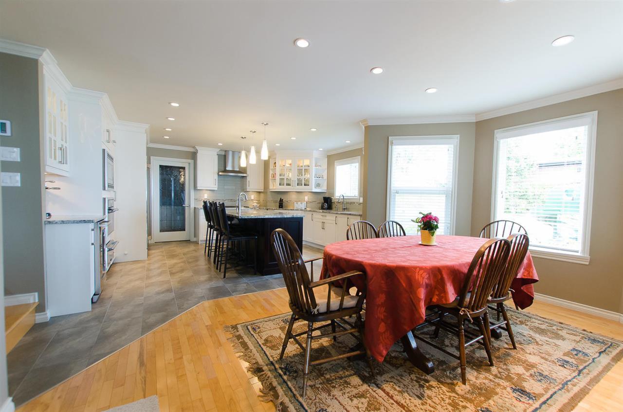 Photo 11: Photos: 15395 VICTORIA Avenue: White Rock House for sale (South Surrey White Rock)  : MLS®# R2476831