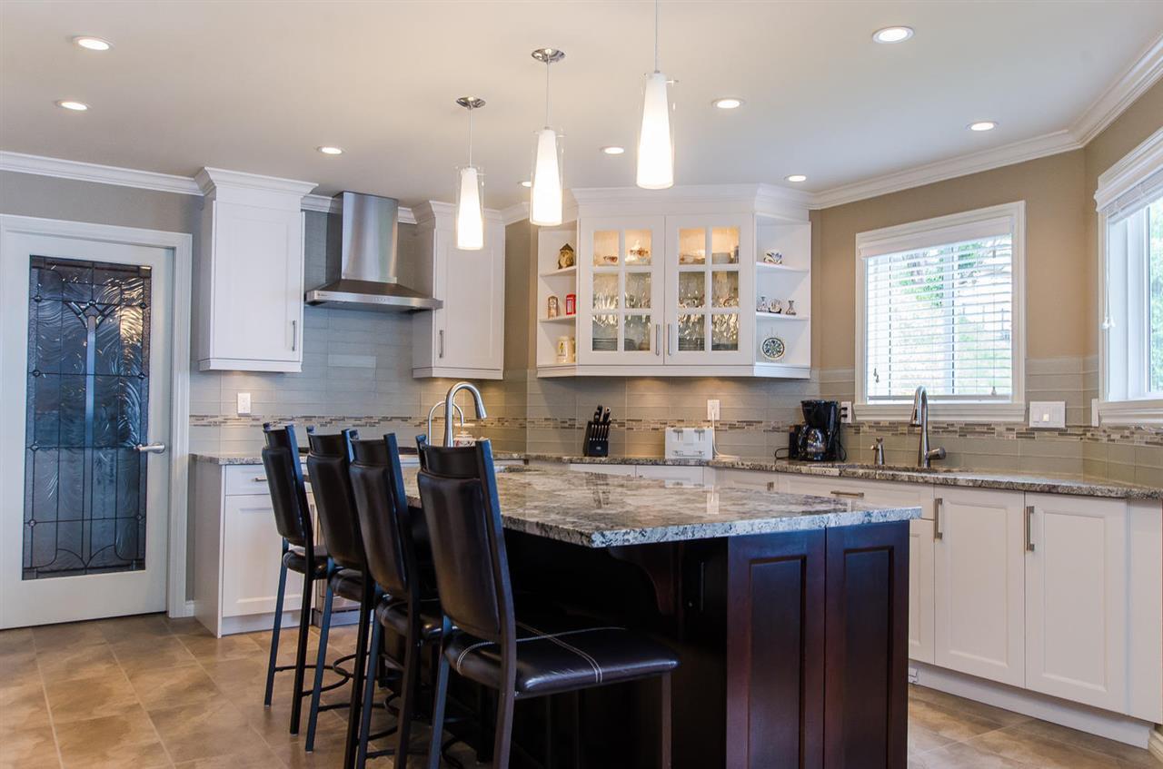 Photo 9: Photos: 15395 VICTORIA Avenue: White Rock House for sale (South Surrey White Rock)  : MLS®# R2476831