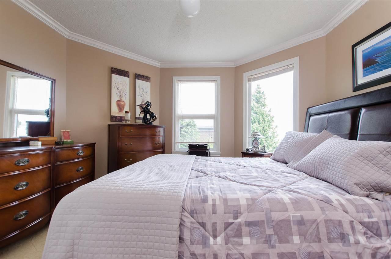 Photo 19: Photos: 15395 VICTORIA Avenue: White Rock House for sale (South Surrey White Rock)  : MLS®# R2476831