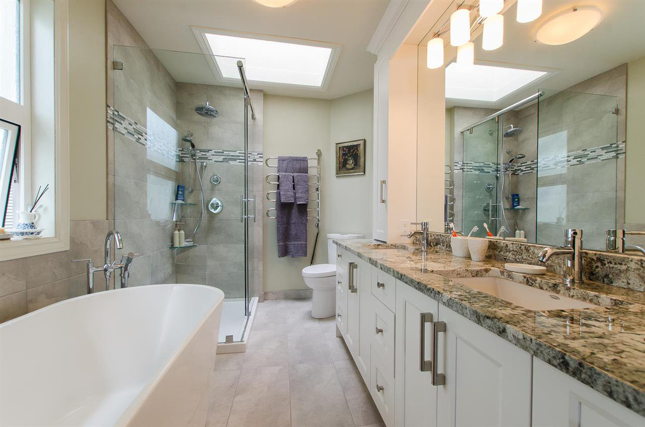 Photo 16: Photos: 15395 VICTORIA Avenue: White Rock House for sale (South Surrey White Rock)  : MLS®# R2476831