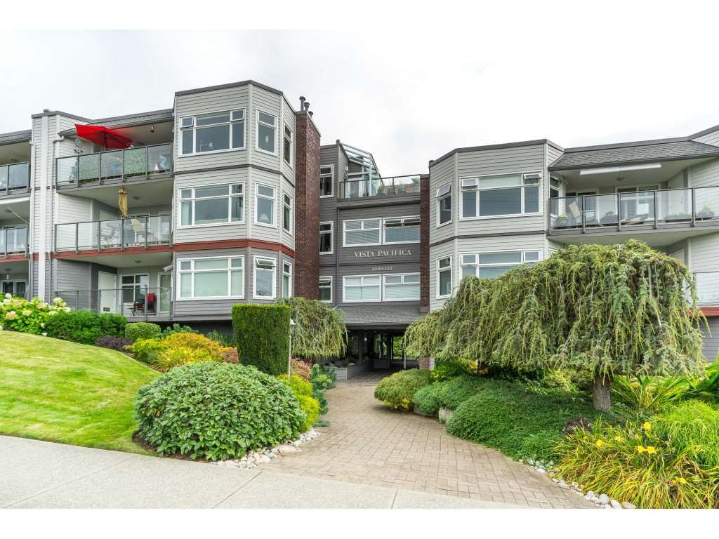 "Main Photo: 404 1220 FIR Street: White Rock Condo for sale in ""Vista Pacifica"" (South Surrey White Rock)  : MLS®# R2493236"