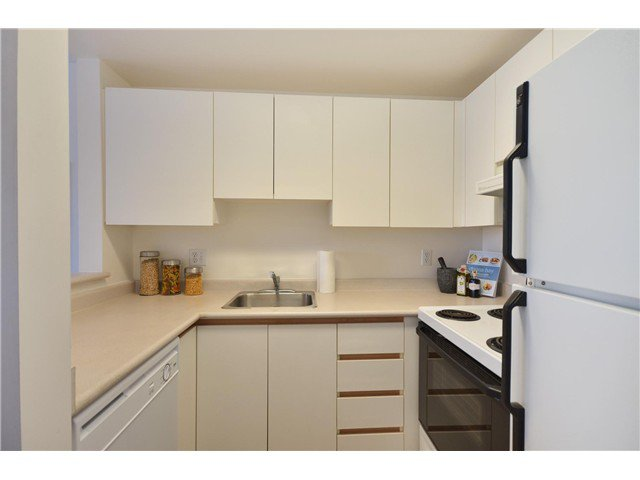"Photo 7: Photos: 1302 811 HELMCKEN Street in Vancouver: Downtown VW Condo for sale in ""Imperial Tower"" (Vancouver West)  : MLS®# V972694"