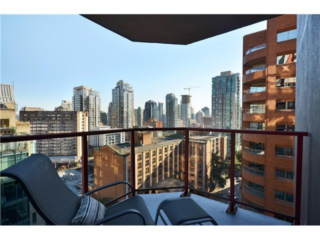 "Photo 10: Photos: 1302 811 HELMCKEN Street in Vancouver: Downtown VW Condo for sale in ""Imperial Tower"" (Vancouver West)  : MLS®# V972694"