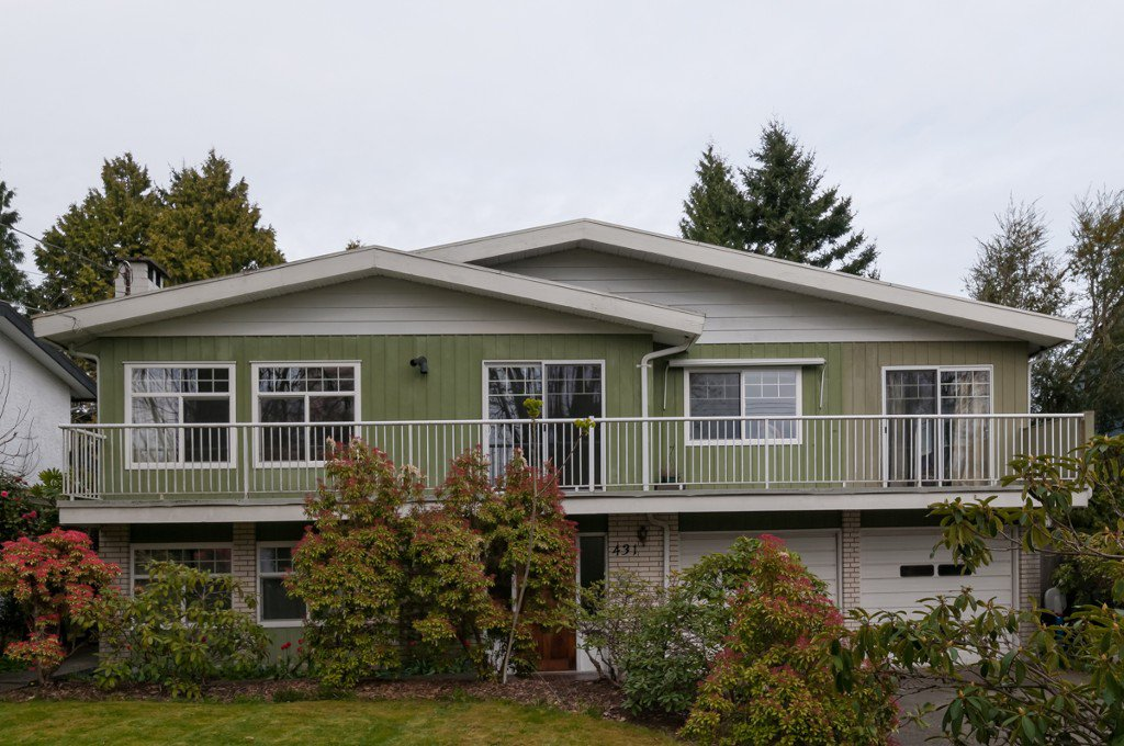 """Photo 3: Photos: 431 5TH ST in New Westminster: Queens Park House for sale in """"QUEENS PARK"""" : MLS®# V1002480"""