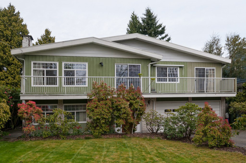 "Main Photo: 431 5TH ST in New Westminster: Queens Park House for sale in ""QUEENS PARK"" : MLS®# V1002480"