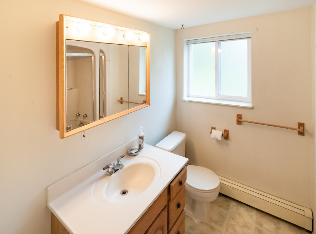 """Photo 11: Photos: 431 5TH ST in New Westminster: Queens Park House for sale in """"QUEENS PARK"""" : MLS®# V1002480"""